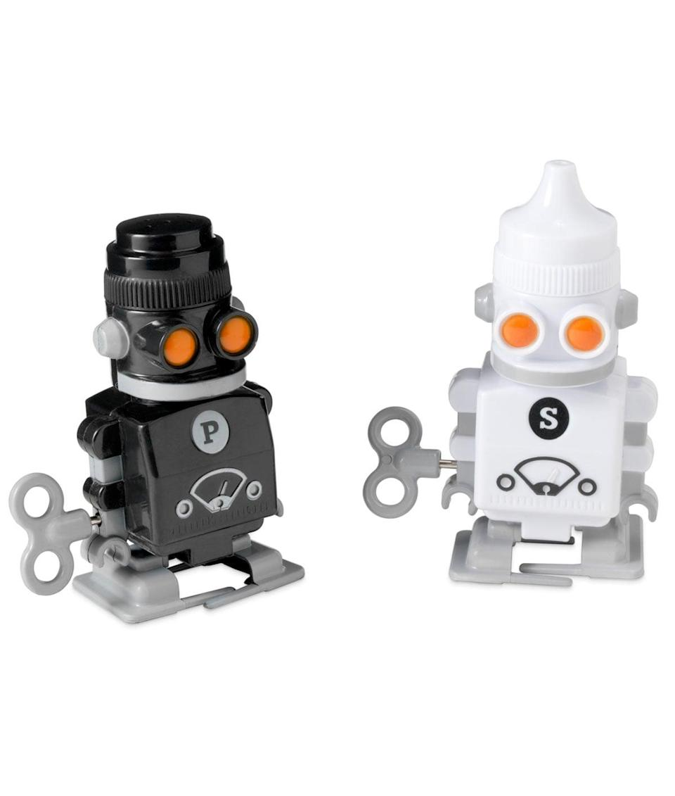 <p>Any robot fan would love this pair of <span>salt and pepper shakers</span> ($15). </p>