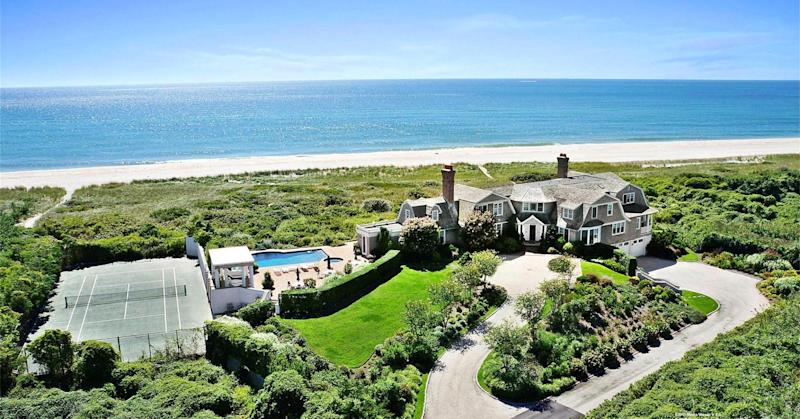 Mansion prices hit new highs in super-rich enclaves
