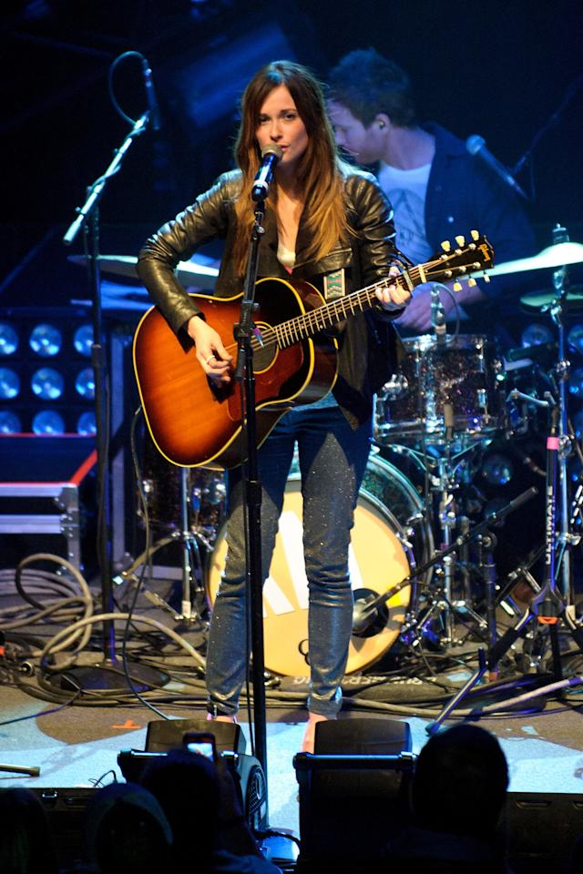 Musgraves kept it classic with a leather jacket and dark jeans.