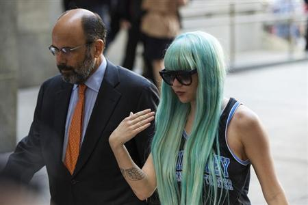 Actress Amanda Bynes arrives for a court hearing at Manhattan Criminal Court in New York, July 9, 2013. REUTERS/Lucas Jackson/Files