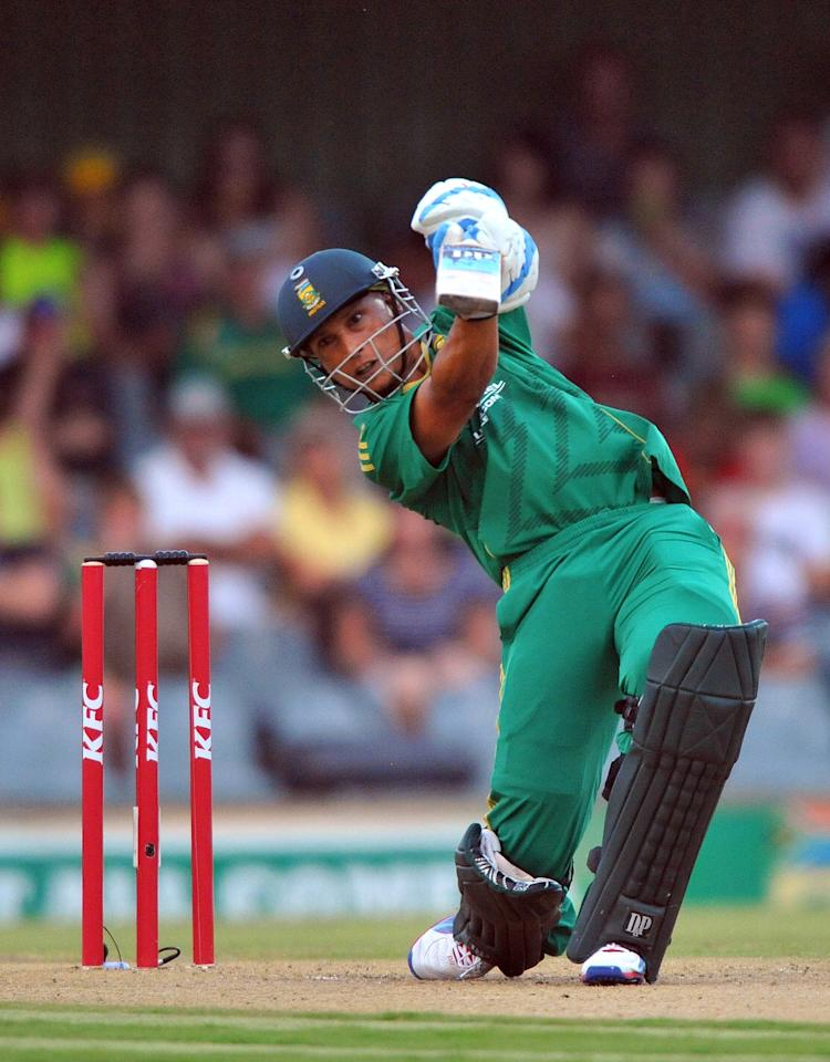 EAST LONDON, SOUTH AFRICA - DECEMBER 23:   Henry Davids of South Africa drives for a boundary during the 2nd T20 match between South Africa and New Zealand at Buffalo Park on December 23, 2012 in East London, South Africa.  (Photo by Duif du Toit/Gallo Images/Getty Images)