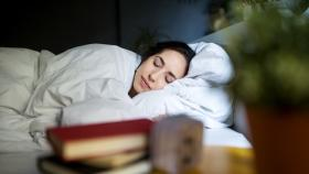 Too short, long sleep is bad for your lungs