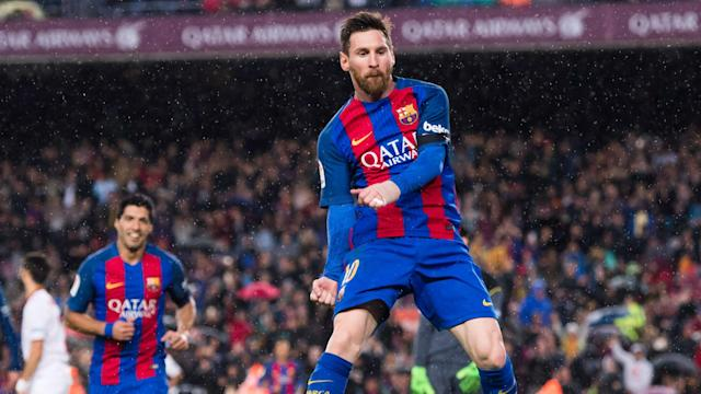 Three goals in eight first-half minutes set Barcelona on their way to a comfortable 3-0 victory over Sevilla to move top of LaLiga.