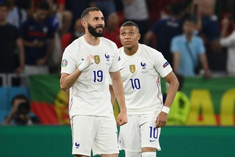 Kylian Mbappe would join fellow France forward Karim Benzema at Real Madrid (AFP/FRANCK FIFE)
