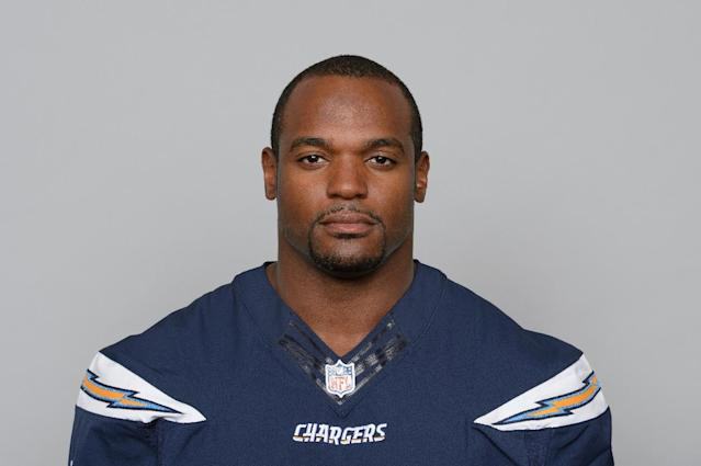 This is a 2013 photo of Dwight Freeney of the San Diego Chargers NFL football team. Chargers general manager Tom Telesco says 33-year-old outside linebacker Dwight Freeney has a torn quadriceps muscle. Telesco says the team doesn't yet know the severity of the injury or the time frame for recovery. Freeney was hurt in the second quarter of San Diego's 30-21 victory against Dallas on Sunday, Sept. 29, 2013. (AP Photo/File)