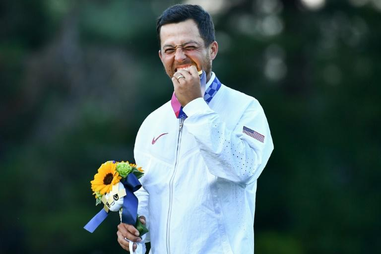 Xander Schauffele of the USA won the gold medal in the men's golf