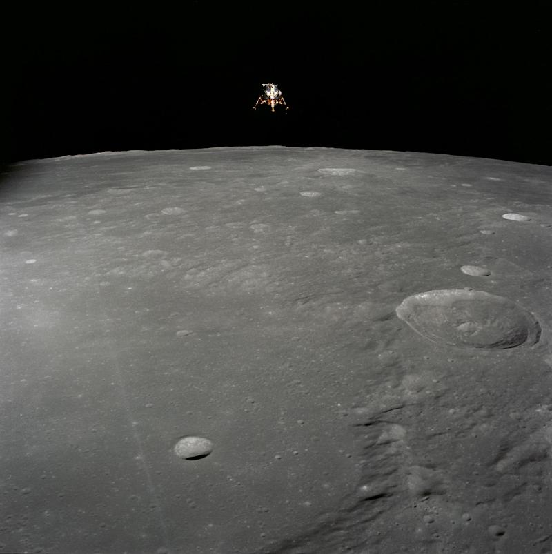 Private Moon Landers Could Help NASA's Next Giant Leap in Lunar Exploration