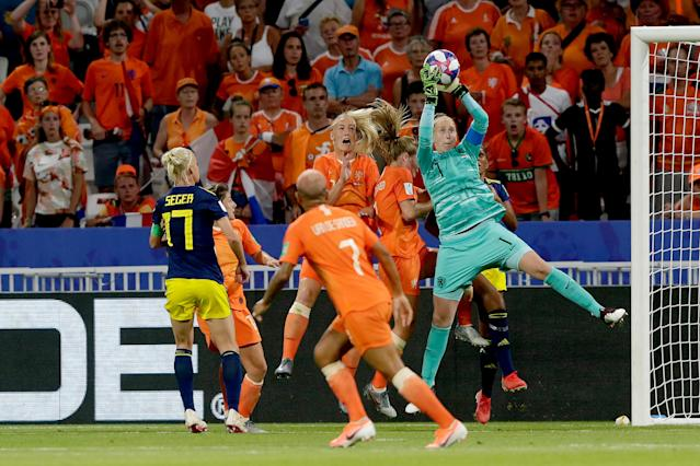 Sari van Veenendaal of Holland Women during the World Cup Women match between Holland v Sweden at the Stade de Lyon on July 3, 2019 in Lyon France (Photo by Rico Brouwer/Soccrates/Getty Images)