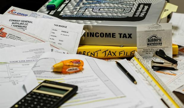 What Is the Difference Between Single & Married Tax Withholding?