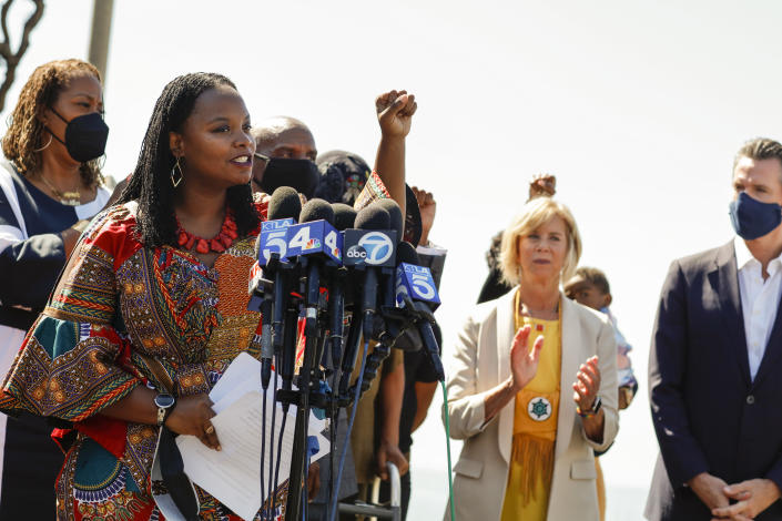 Manhattan Beach, CA - September 30: Attorney Kavon Ward spoke before California Gov.  Gavin Newsoms signing SB 796, written by Ca.  state Senator Steven Bradford (D-Gardena), for repatriating the front-runners to the Bruce family, during a press conference held at Bruce & # 39;  s in Manhattan Beach, CA, China, September 30, 2021. Ward has been in the forefront of pushing for property to be returned to the family.  One of the areas that make up Bruces Beach was purchased by two American Americans Willa and Charles Bruce, in 1912, creating a leisure center that was open to African Americans.  But by the 1920s, ethnic instability was rampant in the coastal region and the city opposed the buildings.  The park was renamed several times over the next 80 years and in 2007, it was renamed to the Bruce family, which is responsible for trying to bring change and equality to the city.  (Jay L. Clendenin / Los Angeles Times via Getty Pictures)