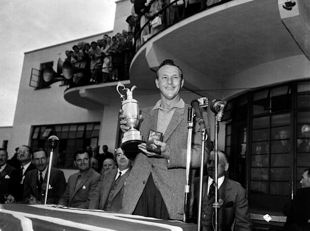 <p>Arnold Palmer with the Claret Jug in July, 1961. (Photo by Bob Thomas/Getty Images) </p>