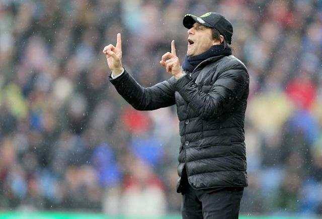 Garry Hayesexplains why the Chelsea boss wont be drawn into Mous mind games