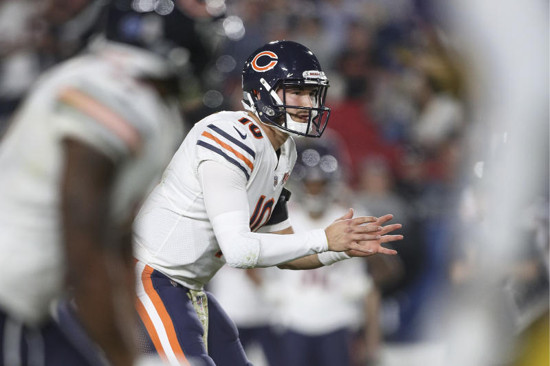 LOS ANGELES, CALIFORNIA - NOVEMBER 17: Quarterback Mitchell Trubisky #10 of the Chicago Bears waits for the play against the Los Angeles Rams at Los Angeles Memorial Coliseum on November 17, 2019 in Los Angeles, California. (Photo by Meg Oliphant/Getty Images)