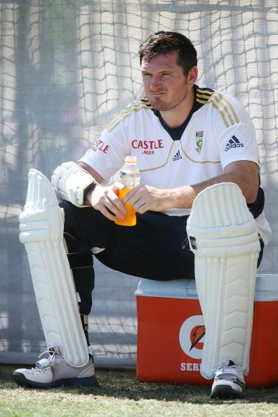 ADELAIDE, AUSTRALIA - NOVEMBER 19:  Graeme Smith of South Africa looks on during a South African Proteas training session at Adelaide Oval on November 19, 2012 in Adelaide, Australia.  (Photo by Morne de Klerk/Getty Images)