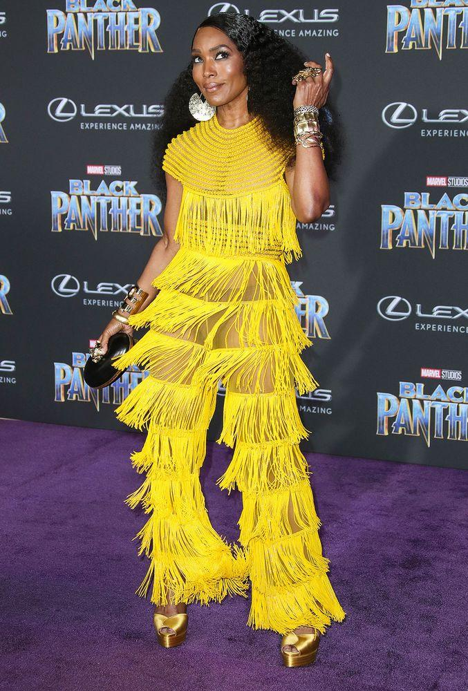 Angela Bassett S Stylist On Her Showstopping Black Panther Look I Wanted Her To Look Bold And Sexy