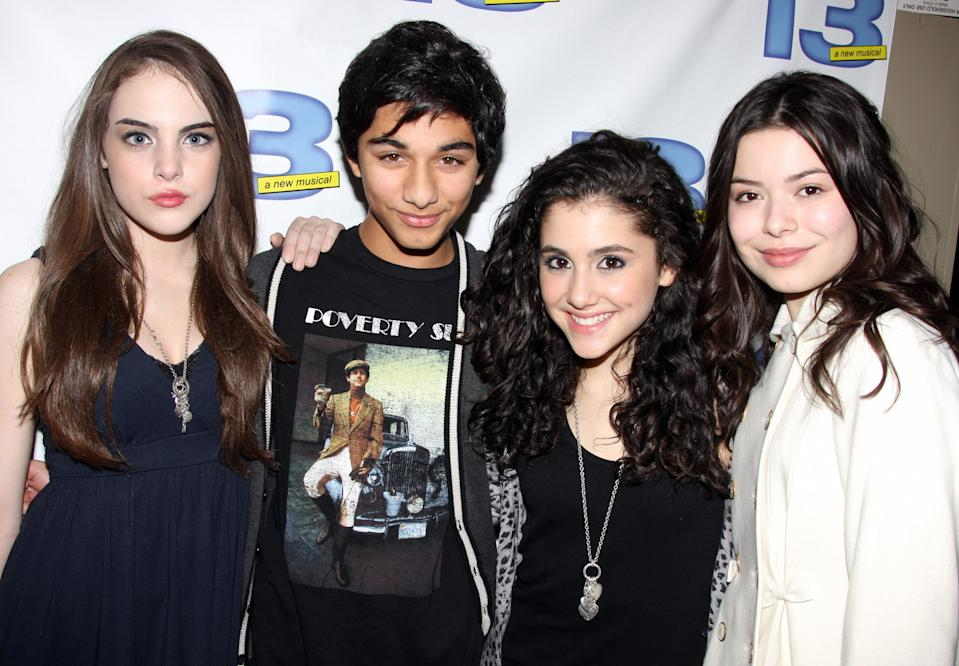 """Elizabeth Egan Gillies, Mark Indelicato, Ariana Grande and Miranda Cosgrove pose backstage at the musical""""13"""" on Broadway at Bernard B.Jacobs Theater on November 5, 2008 in New York City."""