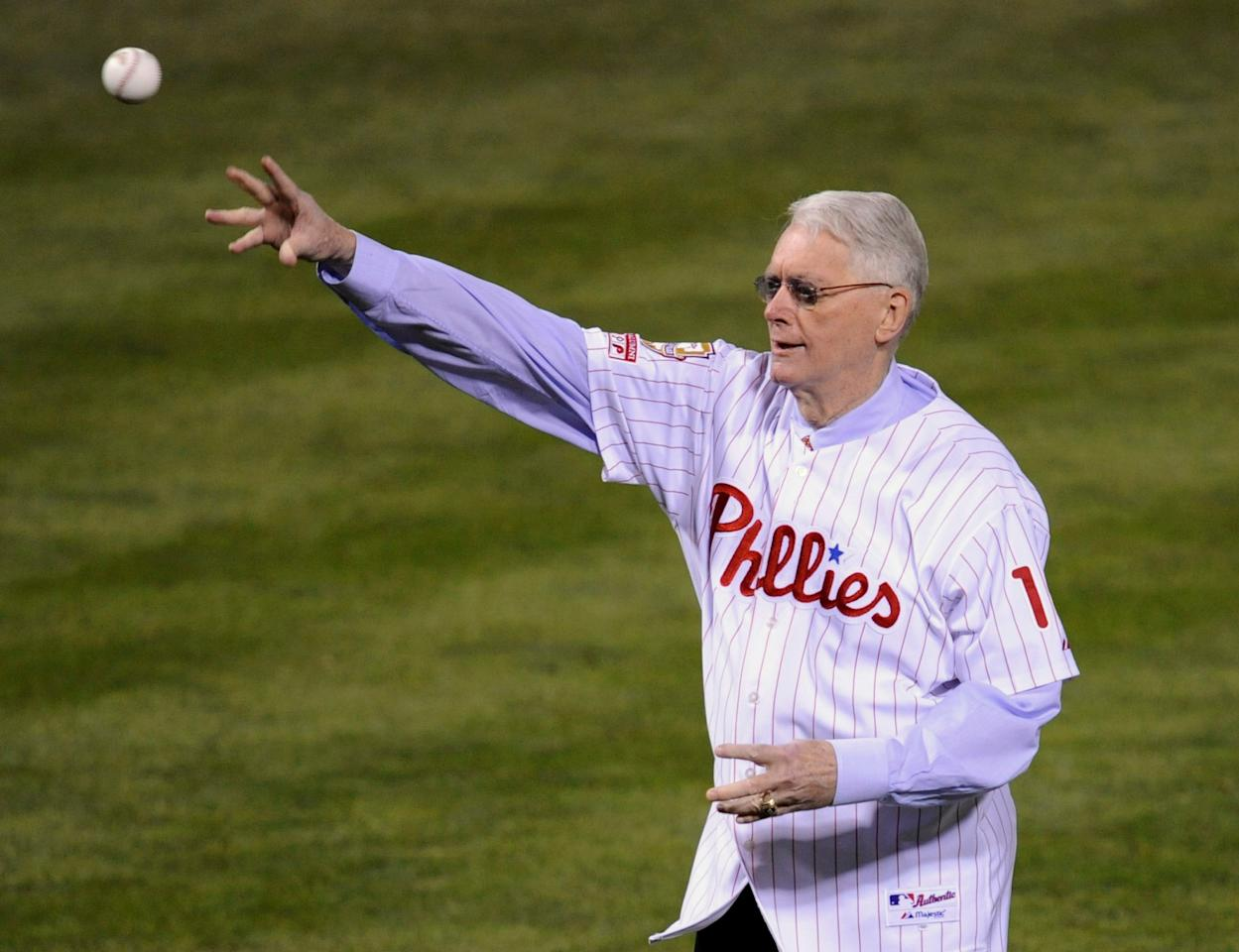 FILE PHOTO Former Philadelphia Phillies pitcher Jim Bunning throws out the ceremonial first pitch before Game 5 of Major League Baseball's World Series in Philadelphia, October 27, 2008.  REUTERS/Ray Stubblebine/File Photo          FOR EDITORIAL USE ONLY. NO RESALES. NO ARCHIVES.