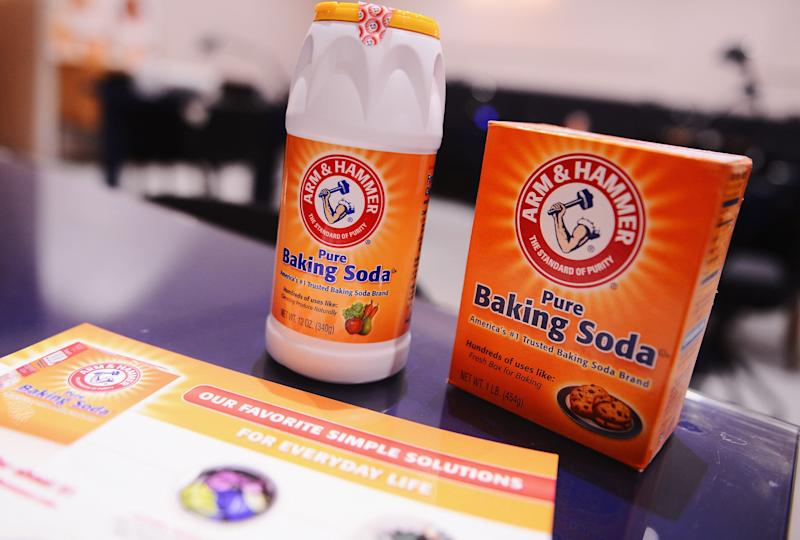 Cleaning experts tout the many uses for baking soda. (Photo: Stephen Lovekin via Getty Images)