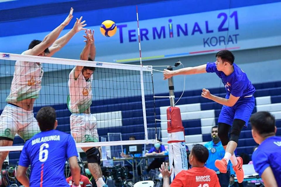 Joshua Umandal pours out 19 points in Rebisco's loss to AGMK in the 2021 Asian Men's Club Volleyball Championship. (Photo: AVC - Asian Volleyball Confederation/Facebook)