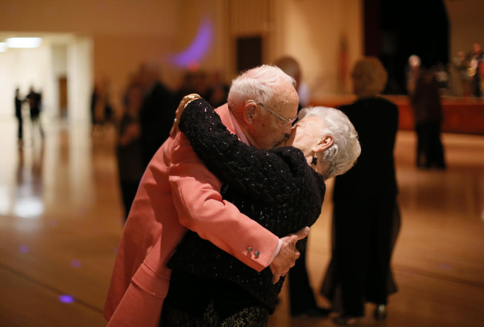 Donald Smitherman, 98, kisses his wife Marlene at the end of a dance in Sun City, Arizona. (Photo: REUTERS/Lucy Nicholson)