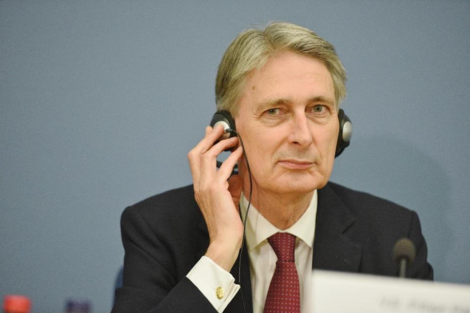 Britain's Foreign Secretary Philip Hammond addresses a press conference at the Foreign Ministry in Riga on November 19, 2014 (AFP Photo/Ilmars Znotins)
