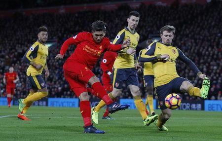 Britain Soccer Football - Liverpool v Arsenal - Premier League - Anfield - 4/3/17 Liverpool's Roberto Firmino shoots at goal Reuters / Phil Noble Livepic