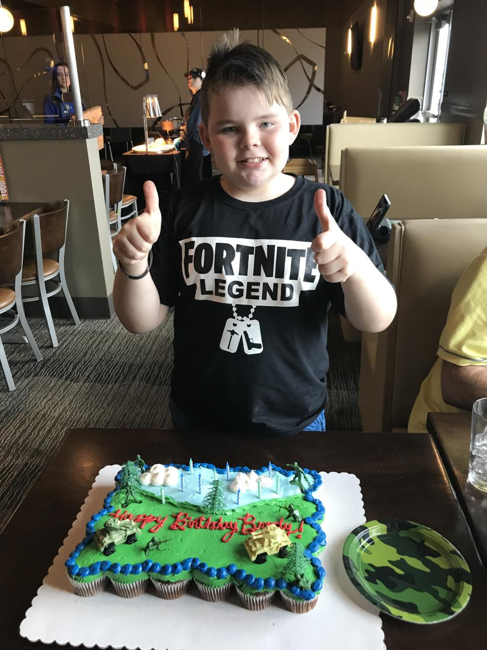 When none of Brody Barron's friends showed up for his 10th birthday party, a group of strangers threw him a celebration. (Photo: Courtesy of Susan Barron)