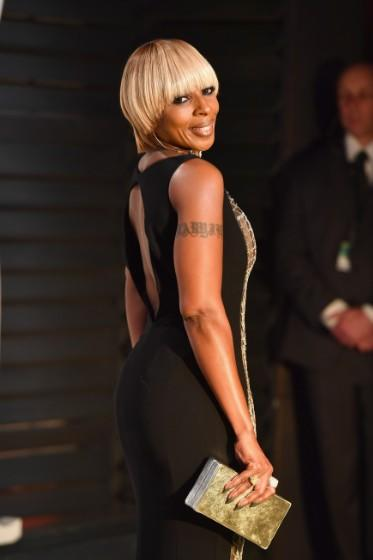 "Mary J. Blige Reveals Guests For ""Strength Of A Woman"" Album"