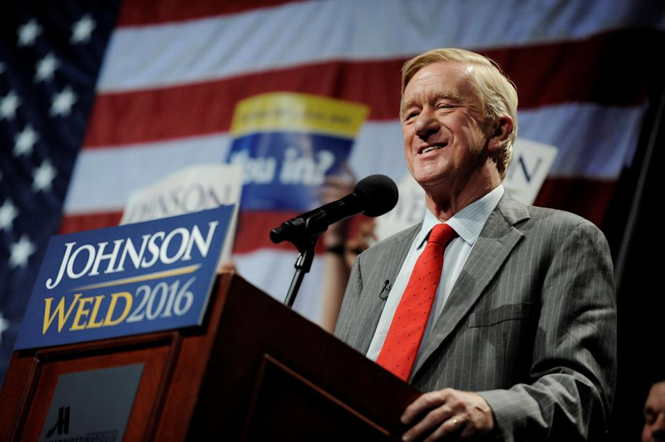 Bill Weld, then a Libertarian vice presidential candidate, speaks at a rally in New York on September 10, 2016. (Photo: Mark Kauzlarich / Reuters)