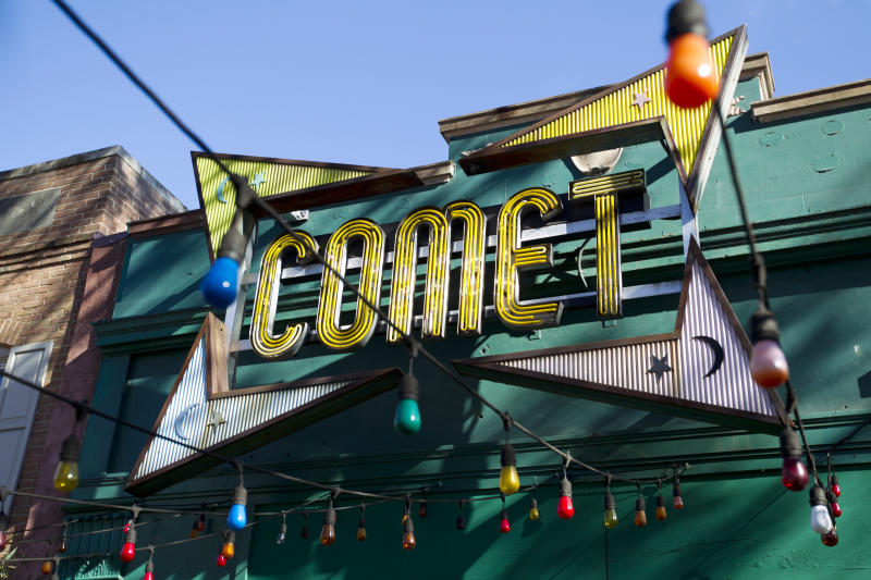 The front door of Comet Ping Pong pizza shop, in Washington in 2016. ( Photo: Jose Luis Magana/AP)