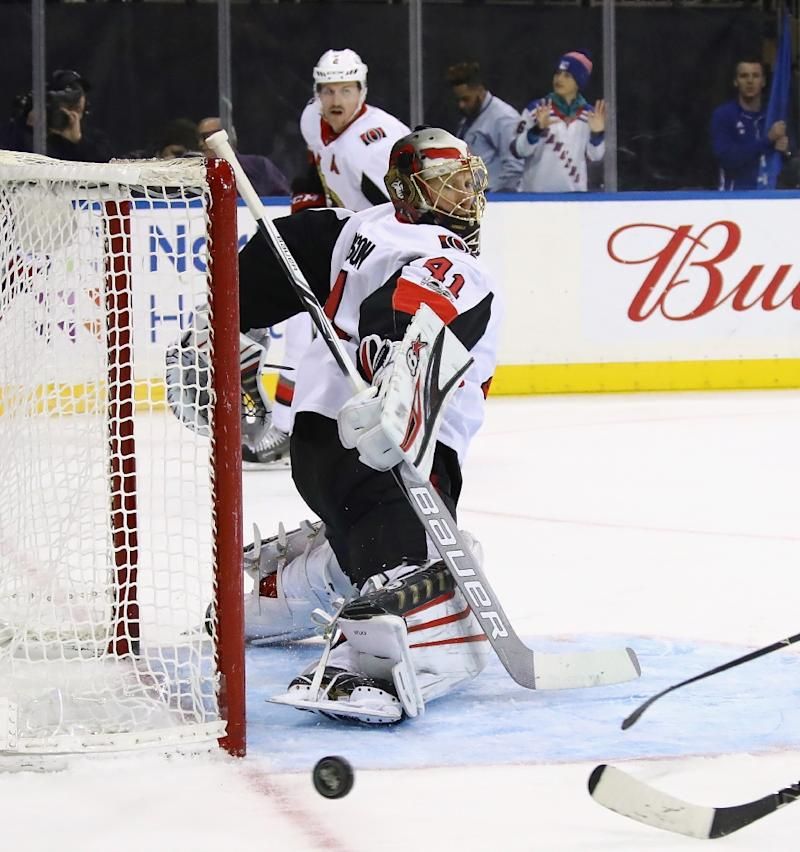 Craig Anderson stopped 28 shots for his second shutout of the season as the Ottawa Senators blanked the Montreal Canadiens 3-0 in the first outdoor game of the 2017-18 NHL regular season
