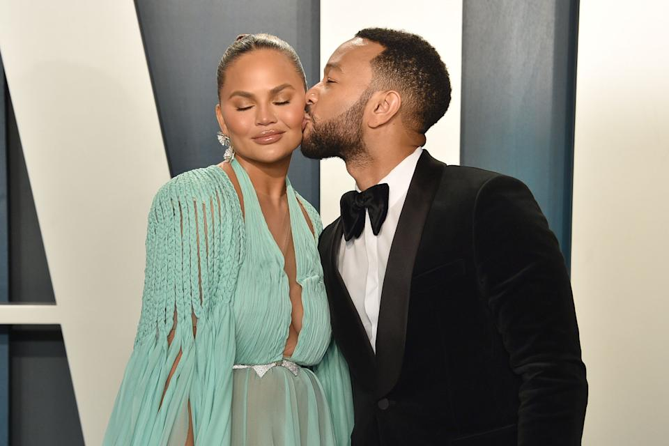 BEVERLY HILLS, CALIFORNIA - FEBRUARY 09: Chrissy Teigen and John Legend attend the 2020 Vanity Fair Oscar Party at Wallis Annenberg Center for the Performing Arts on February 09, 2020 in Beverly Hills, California. (Photo by David Crotty/Patrick McMullan via Getty Images)