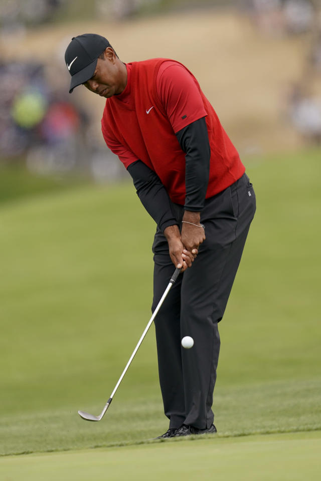 Tiger Woods hits a chip shot on the sixth hole during the final round of the U.S. Open Championship golf tournament Sunday, June 16, 2019, in Pebble Beach, Calif. (AP Photo/David J. Phillip)
