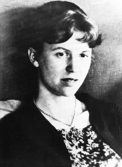 """File---An undated file photo of American author Sylvia Plath. Six authors read her """"Ariel: The Restored Edition,"""" in New York Tuesday night, Nov. 30,2004. It was the first time that the restored manuscript had ever been publicly read in its entirety.(AP Photo) ORG XMIT: NYET139"""