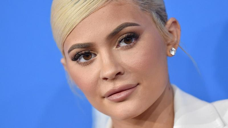 Beauty Twitter Is Coming for Kylie Jenner Over Her Face-Washing Technique