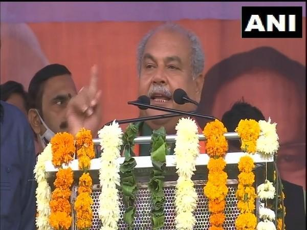 Union Agriculture Minister Narendra Singh Tomar addresses the kisan sammelan in Gwalior on Wednesday. (Photo/ANI)