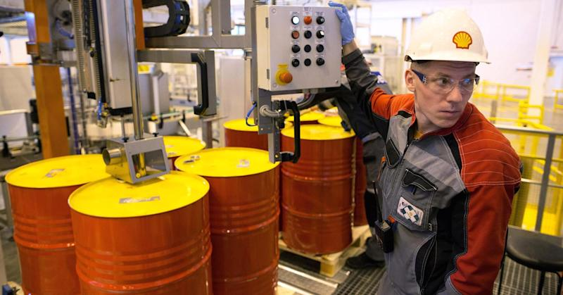 Shell plans for 'prolonged downturn' in oil prices