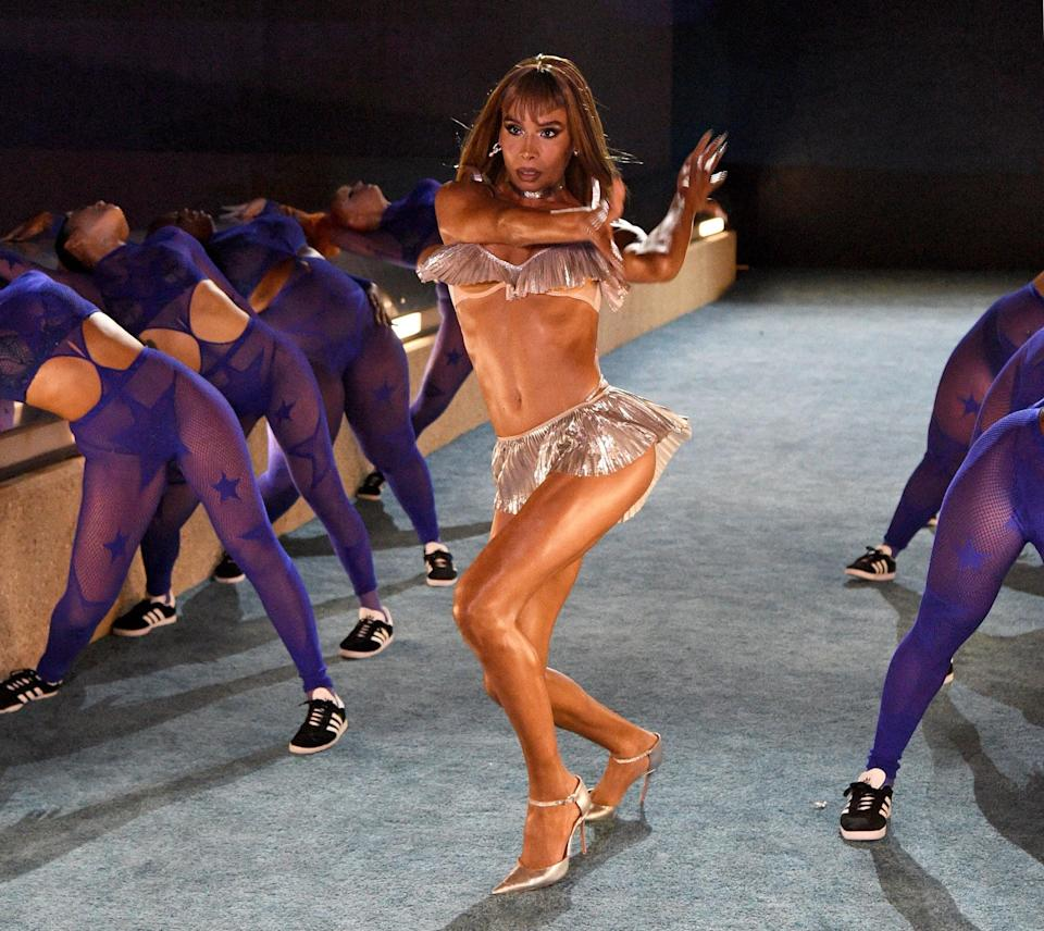 <p>The vogue master put her skills to work and left it all out on the floor.</p>