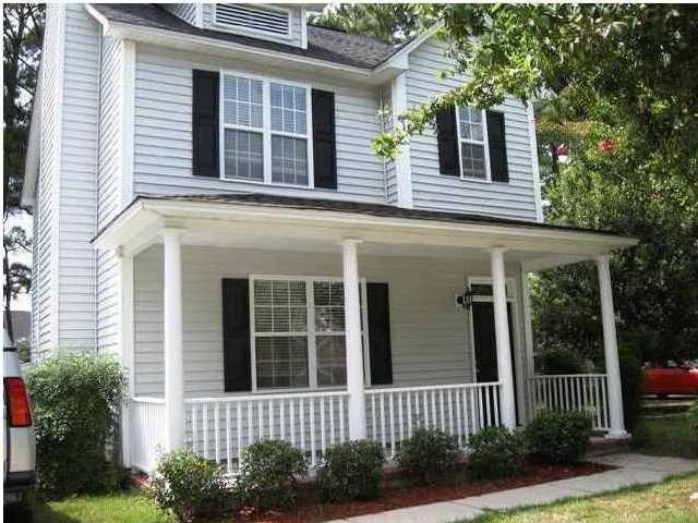 "<p><a href=""http://yhoo.it/ZVETfa"" target=""_blank"">Charleston, SC</a><br /><a href=""http://yhoo.it/ZVEZ6y"">1426 Swamp Fox Ln, Charleston, SC</a><br />For sale: $229,500</p> <p>This classic 3-bedroom is a desirable starter home near downtown Charleston. Built in 2002, the homeowners have recently invested $10,000 in the property with newly installed kitchen cabinets, a fresh coat of paint, central heating and new carpet.</p> <strong><a href=""http://yhoo.it/ZVEZ6y"" target=""_blank"">Click here to go to the listing</a> with several more photos and details. Or <a href=""http://yhoo.it/ZVETfa"" target=""_blank"">click here to see all Charleston listings</a>.</strong>"