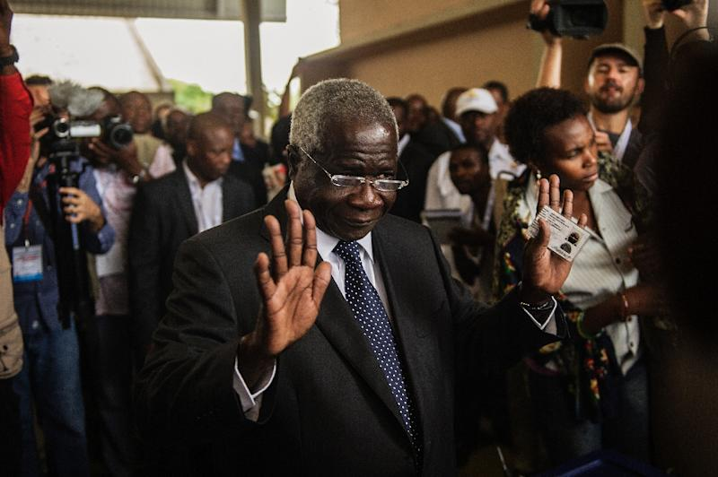 A photo taken on October 15, 2014 shows Afonso Dhlakama, a former Renamo rebel chief turned opposition leader, who escaped unhurt after his convoy was hit by gunfire on September 13, 2015