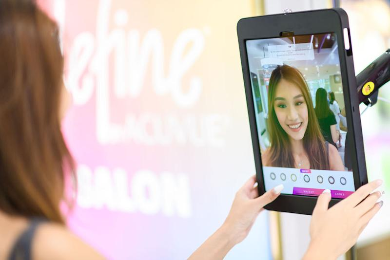 The Define Virtual Mirror where you can virtually try out the full range of beauty lens. (PHOTO: Videre Eyecare)