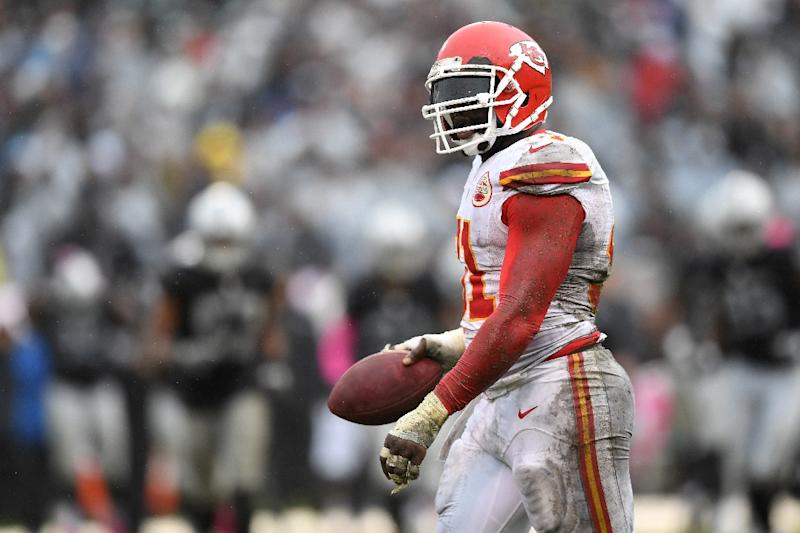 Chiefs add Tamba Hali to 53-man roster, cut DJ White
