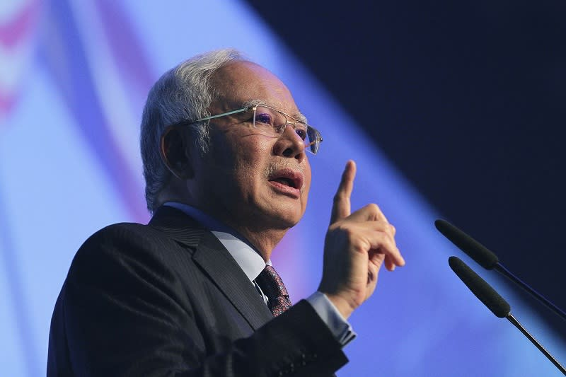 Najib says willing to admit Putrajaya's flaws, but not wild claims