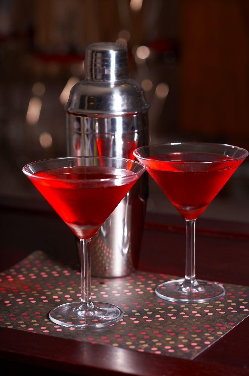 "<p>""My favorite holiday drink is a pomegranate martini! The color is perfect for the holidays, a red-hued cocktail topped off with a lime. It's light, refreshing, with a little sweetness. And there's nothing more sophisticated than drinking out of a martini glass."" — Keith Williams of Landscape Architecture firm <a href=""http://www.nieverawilliams.com/"" rel=""nofollow noopener"" target=""_blank"" data-ylk=""slk:Nievera Williams"" class=""link rapid-noclick-resp"">Nievera Williams</a>.</p><p><strong>Keith's Martini Recipe</strong></p><p><strong>Ingredients:</strong><br>1/4 cup sugar</p><p>3/4 cup vodka</p><p>1/2 cup pomegranate juice</p><p>1/3 cup fresh lime juice</p><p>1/4 Cointreau</p><p>Lime slices, for garnish<strong><br><br>Directions:</strong><br>Combine sugar, vodka, pomegranate juice, lime juice, and Cointreau. Stir well. Garnish with lime slices. </p>"