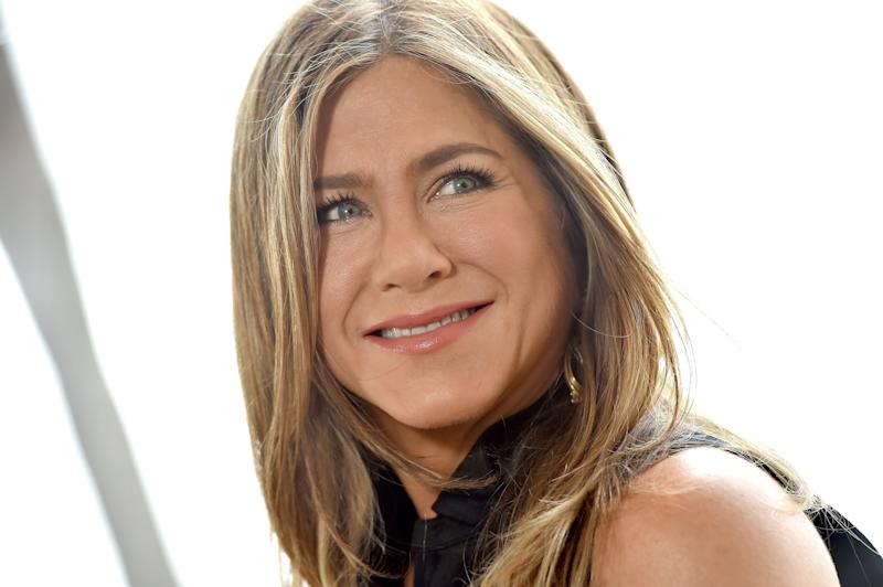Jennifer Aniston Swears By This Gold Face-Sculpting Tool