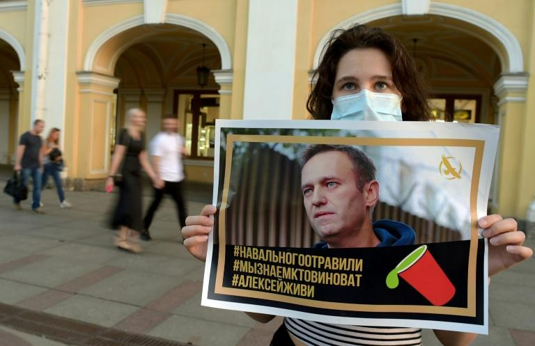 Berlin hospital says Navalny tests 'indicate poisoning'