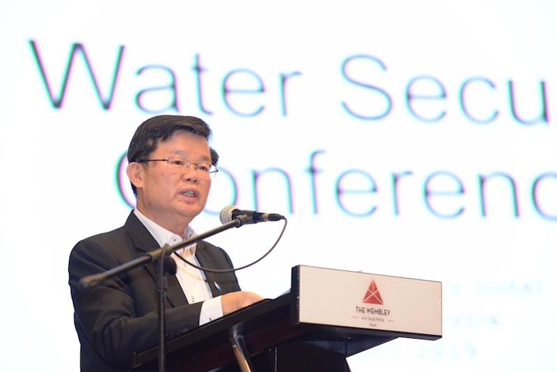 Penang Chief Minister Chow Kon Yeow delivers his speech at the Water Security Conference in George Town April 25, 2019. — Picture by Steven KE Ooi