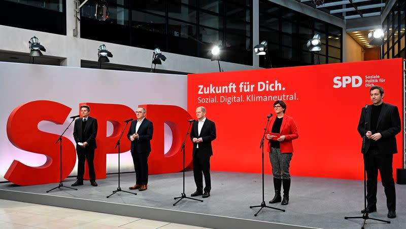 SPD holds leadership meeting in Berlin