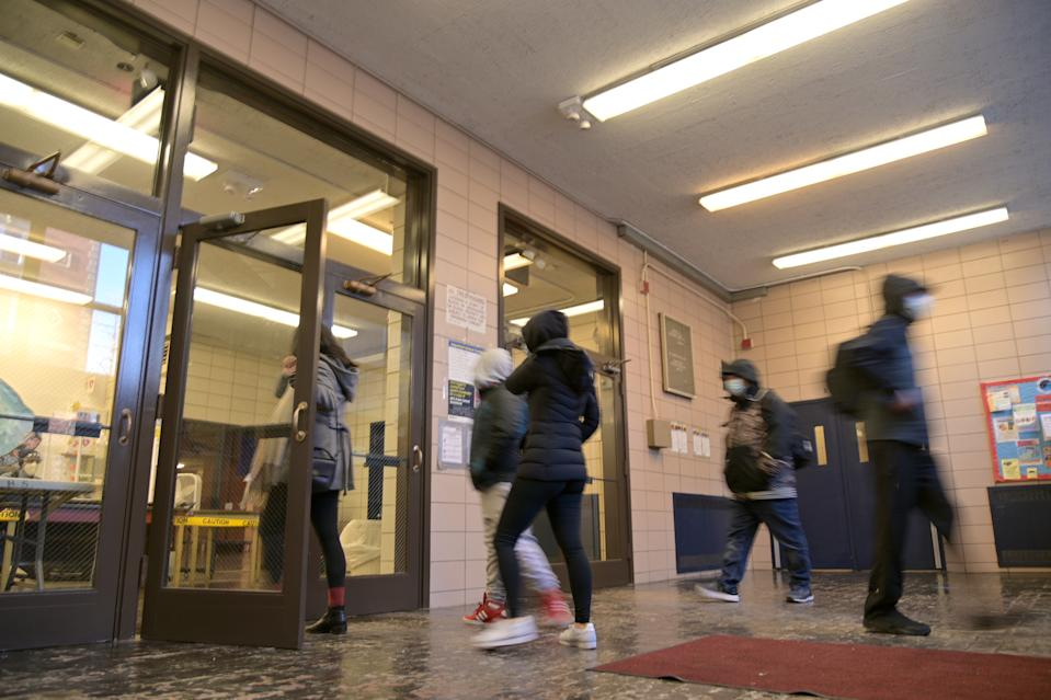 New York City schools won't offer a remote learning option next year, Mayor Bill de Blasio announced this week. (Michael Loccisano/Getty Images)