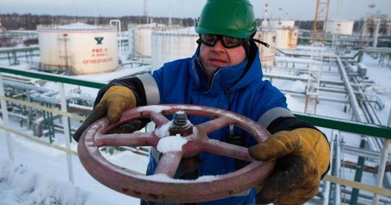 Big banks raise oil price targets on strong demand and OPEC output cuts